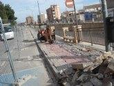 El alcalde de Totana tira de hemeroteca y recuerda que IU criticó la demolición de las aceras en la Avenida de la Rambla