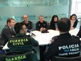 El Alcalde recibe al nuevo Capitán Jefe de la IV Compañía de la Guardia Civil, Manuel Gil Rozas