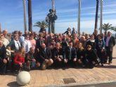 Alcalde recibe a la alcaldesa y  un centenar de vecinos de Mazarrón de visita en San Javier