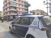 Agentes de la Policía Local recuperan, en la calle Echegaray, un ciclomotor que había sido robado hace unas semanas