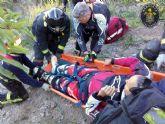 Bomberos de Cartagena rescatan a un motorista accidentando en el Monte del Pericon, en La Aljorra
