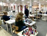 Miles de vecinos de barrios y pedanías de Murcia se vuelcan en la fabricación voluntaria de mascarillas