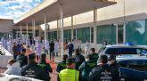 Miembros de la Guardia Civil, Policía Local y sanitarios se tributan un emocionante homenaje en las puertas del Centro de Salud