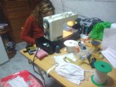 Más de 80 costureras participan en la fabricación de mascarillas y batas sanitarias