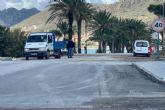 Operarios municipales, con el refuerzo de las brigadas de la Consejería de Fomento, finalizan los trabajos de recuperación de la carretera de La Azohía