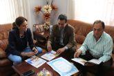 Directivos de Moros y Cristianos de Archena le presentan la revista oficial de las fiestas 2016 a la Alcaldesa