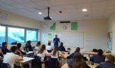 Paco Rabadán, escritor murciano, ofrece un taller literario de humor a alumnos de Secundaria