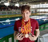 Eduardo Sánchez, alumno de Filología Clásica de la UMU, gana cuatro medallas en el campeonato universitario de natación