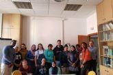 14 alumnos del curso de ayudante de cocina de ALRASO reciben información sobre los recursos de la ADLE en materia de empleo