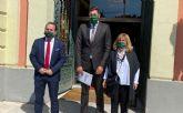 El GM VOX Murcia pide que se incorporen los símbolos de la nación en las aulas del municipio