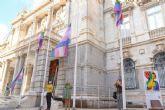 La alcaldesa invita a engalanar los balcones y fachadas con distintivos LGTBI para celebrar el Día del Orgullo