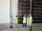 La Concejal de Empleo, Empresas y Desarrollo y la Directora General de Relaciones Laborales visitan la cooperativa agroalimentaria ALIMER