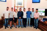 El alcalde de Alcantarilla recibe en el Ayuntamiento a los tres atletas del Nutribán Sociedad Atlética que durante estos últimos meses consiguieron campeonatos y record nacionales y regionales de atletismo