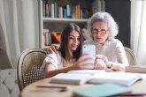Qustodio analiza la nueva forma de comunicarse entre nietos y abuelos
