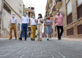 Finalizan las obras de la calle Saavedra Fajardo de La Alberca, que abre para el peatón como un espacio más amable y accesible