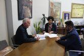 El Ayuntamiento renueva el convenio con Coros y Danzas 'Virgen del Rosario' por importe de 5.000 euros