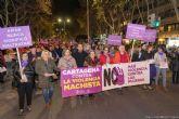 Más de un millar de personas se manifiestan en Cartagena contra la violencia hacia las mujeres