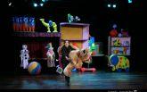 Títeres Etcétera presenta el cuento musical LA CAJA DE LOS JUGUETES el domingo 29 de noviembre en el Teatro Villa de Molina