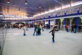 Pista de patinaje en la plaza de abastos de puerto de Mazarr�n hasta el 8 de enero