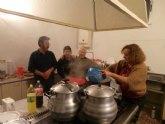 Cerca de 150 personas participaron en la cena de noche buena organizada por Cáritas Tres Avemarías