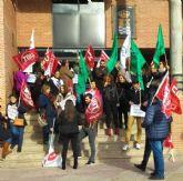 Concentración en el Ayuntamiento de Molina de Segura para reivindicar una OPE que incluya a todos los colectivos