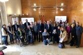El Ayuntamiento y 14 asociaciones sociales y empresariales se alían en un frente común para crear empleo