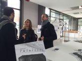 Institutos del municipio visitan la exposición ´Refugiados´ que muestra la vida de alojados en campos de Francia y Grecia