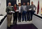 El Ayuntamiento homenajea a los colegios participantes en la campaña medioambiental de decoración navideña