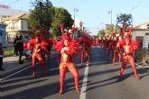 El color y la alegría del Carnaval llenan las calles de San Pedro del Pinatar