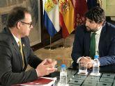 Fernando López Miras se reúne con el alcalde de Ricote