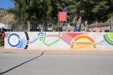 Un nuevo mural decora las paredes del jard�n de Nochebuena