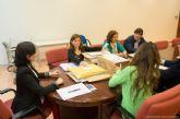 La Mesa de Contratación avanza en la adjudicación de los servicios de teleasistencia, ayuda a domicilio y comedores de las escuelas municipales