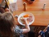 63 menores afectados por el cierre de los comedores escolares cuentan con ayudas del Ayuntamiento