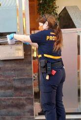 El Ayuntamiento torreño comienza el reparto de mascarillas higiénicas reutilizables entre adultos y niños