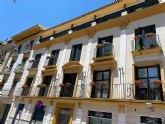 Murcia se llena de miles de flores para revitalizar y embellecer los barrios