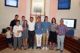 El alcalde recibe en el Ayuntamiento a los últimos campeones del Nutribán Sociedad Atlética Alcantarilla