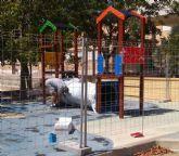 Sustituyen el pavimento de caucho de la zona de juegos infantiles del parque 'Tierno Galván' e incorporan nuevos juegos