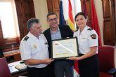 Un diploma para la Policía Nacional por enseñar a los alumnos de los Campus Científicos cómo se resuelve un crimen