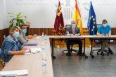 El Ayuntamiento traslada al Delegado de Gobierno su malestar por la opacidad y falta de coordinación en la atención a inmigrantes