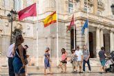 Banderas a media asta en el Palacio Consistorial por el fallecimiento del piloto Francisco Marín