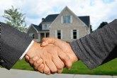 ¿Cómo vender una vivienda habitual y comprar otra sin incurrir en riesgos financieros?