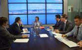 El alcalde aboga por el trabajo conjunto para desarrollar y hacer tangibles los proyectos del Plan Estratégico de La Manga