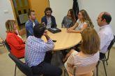 Los corresponsales juveniles torreños reciben la visita del coordinador regional del programa