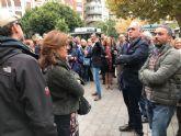 Cientos de personas disfrutan de la primera edición del programa 'Lectura Street' del Ayuntamiento de Murcia