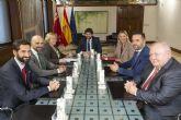 López Miras se compromete a colaborar en el desarrollo económico de la comarca de Cartagena