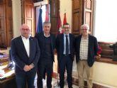 Quique Setién, entrenador del Betis, visita la Universidad de Murcia