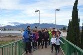 Un total de 17 personas participan en la Ruta Senderista de Navidad en la Presa de El Paretón y alrededores