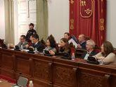 MC: 'Tras pedir 10 millones de euros en préstamos, `La Trinca´ impone una subida de impuestos'