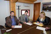 ASPADEM recibe 10.000 euros para el mantenimiento de la piscina terapéutica