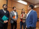 La oposición considera que Ballesta 'bloquea el control democrático de los grandes contratos municipales'